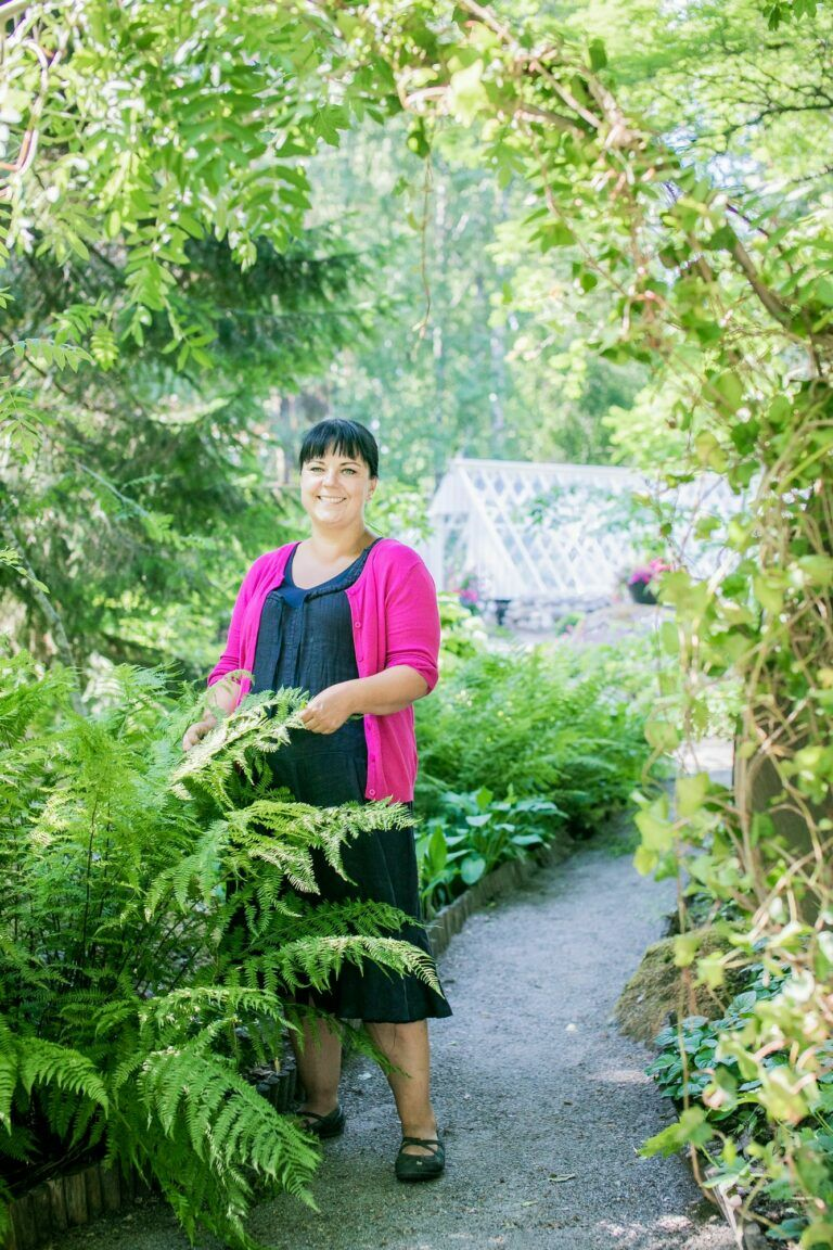 Porkkala Manor and its garden have always been above all a home for the manor's daughter in the fourth generation.  While studying to be a hortonomist, Anniina started working in the garden, renovating the old and planting the new.