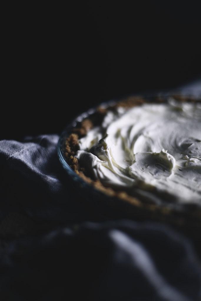 Helppo ja nopea mascarpone-keksipiiras
