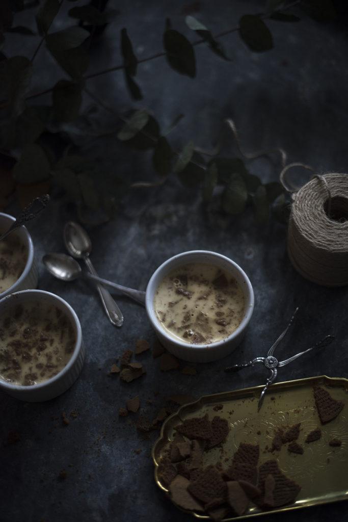 Jouluinen kardemumma-pipari-pannacotta