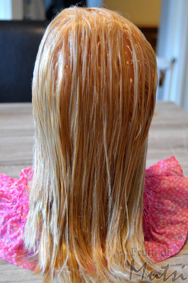 Nuken hiusten suoristus