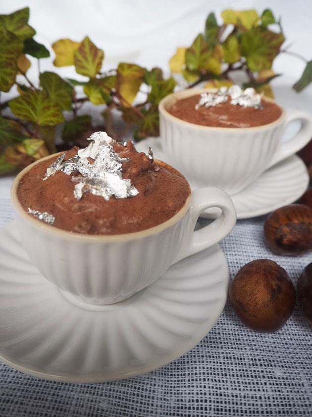 Kastanja-suklaamousse