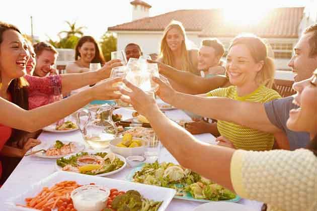 syödään-yhdessä_ihmiset
