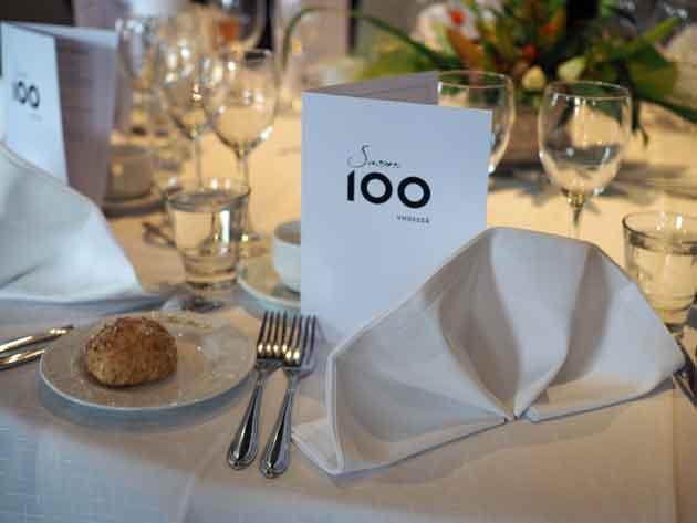 Suomi100_pöytä