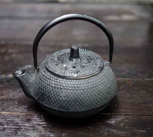 teetä-ja-sympatiaa-kannu