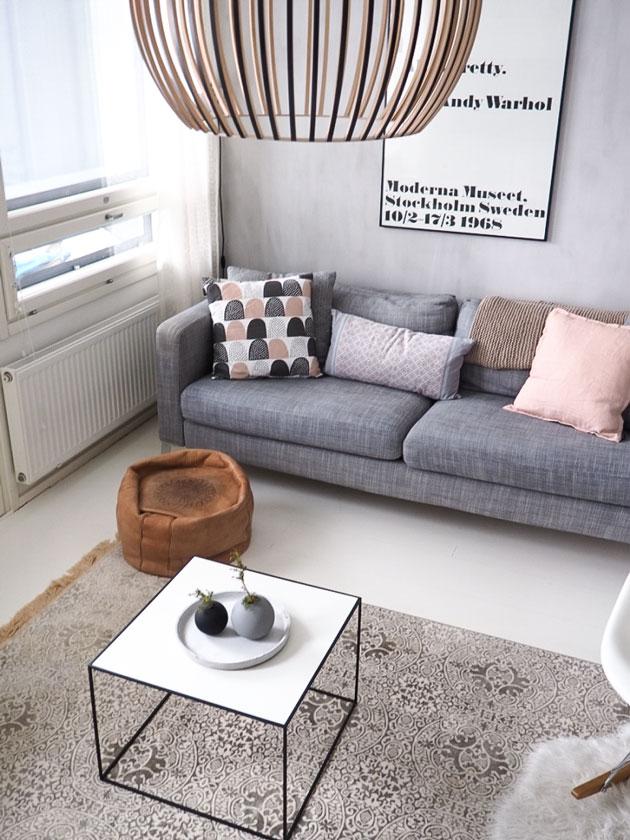 Olohuoneessa uusi By Lassen Twin 49 sohvapöytä