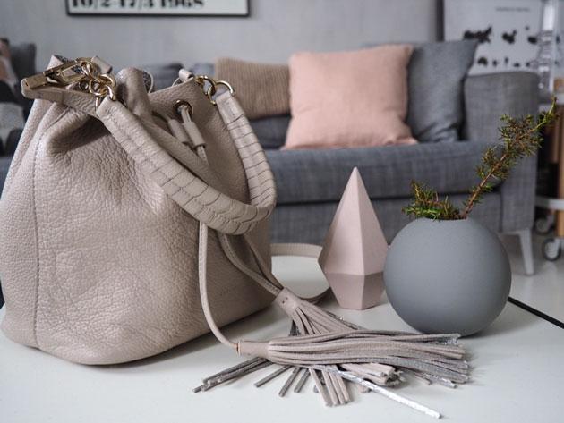 hempeä roosa coccinelle-käsilaukku