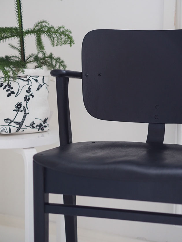 DIY: Ilmari Tapiovaaran Domus-tuolin kunnostus.