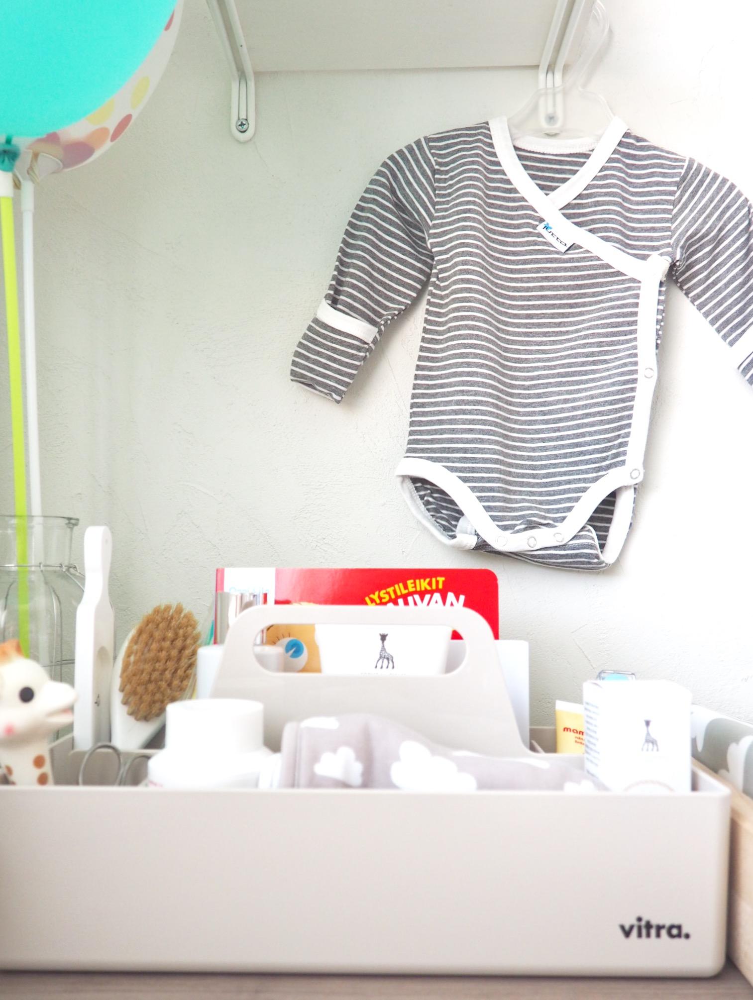 Vitra Toolbox, kätevä lokerikko vauvan tärkeille tavaroille