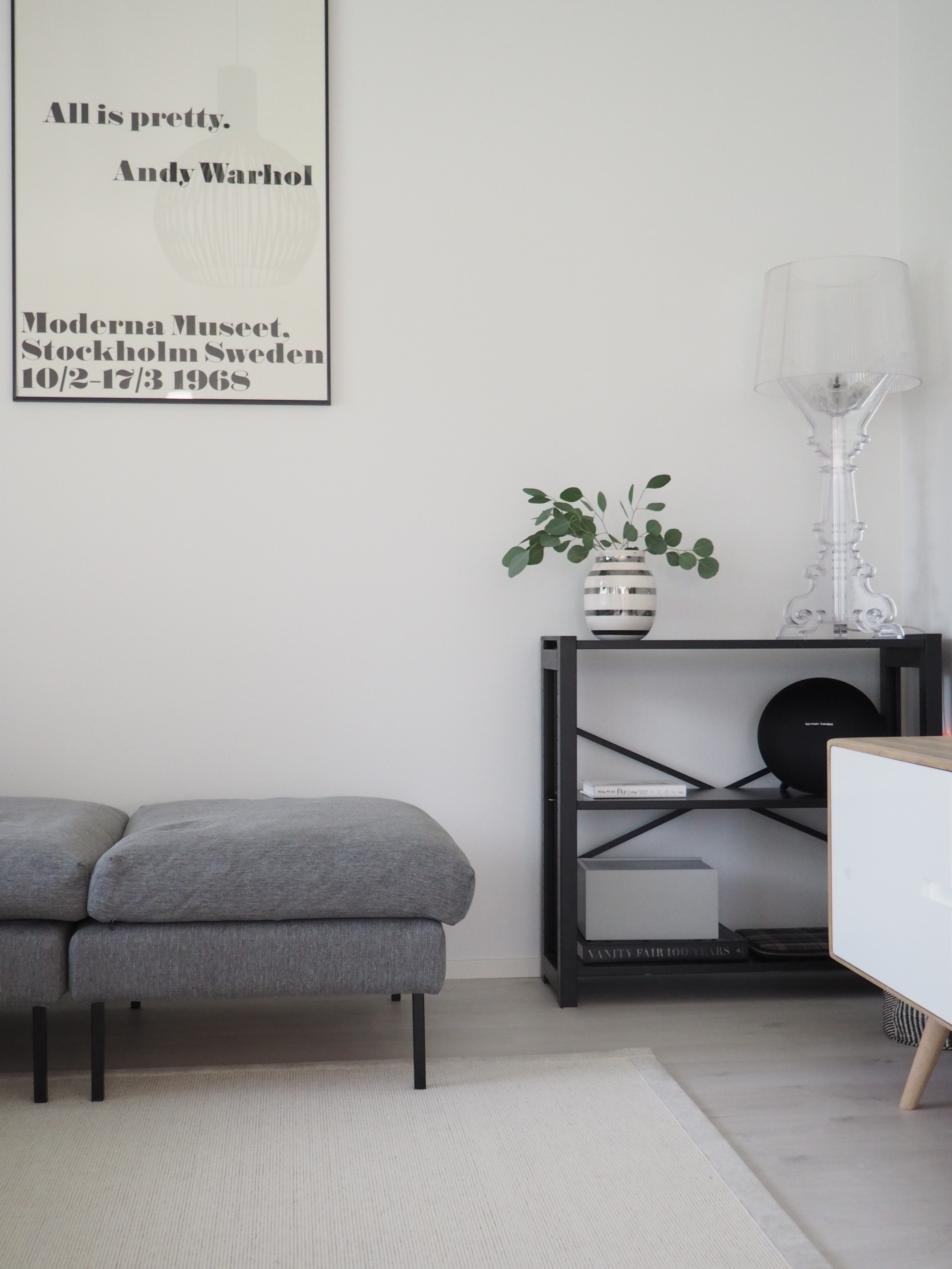uuden kodin olohuoneen sisustus, Kuusilinna Tuuli-sohva