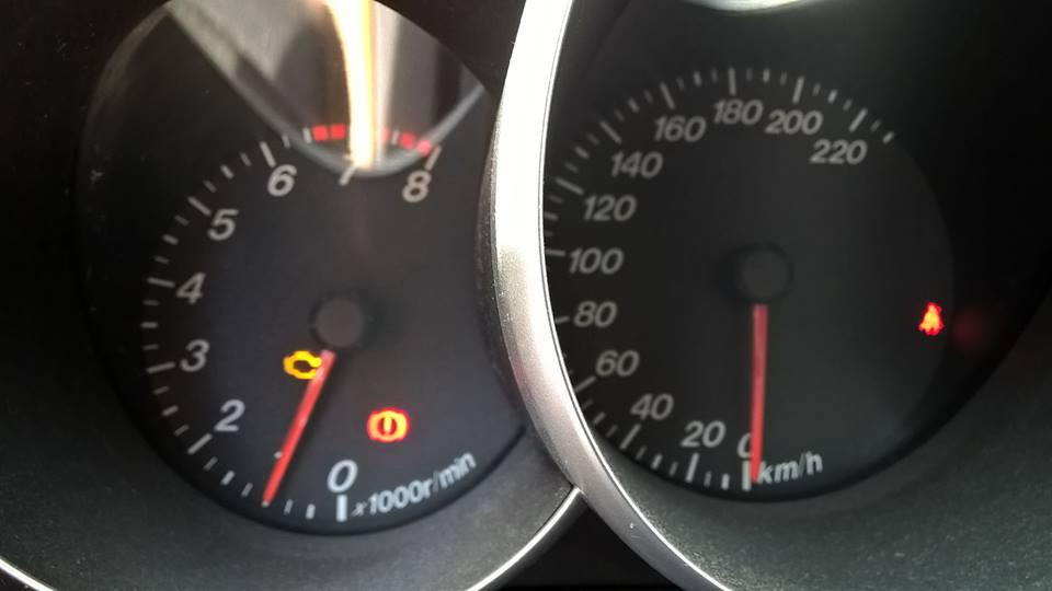 Moottorin merkkivalo syttyi juuri lähtöhetkellä.