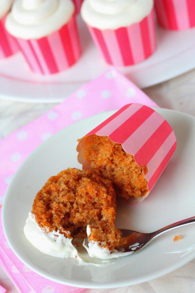 Helpot porkkanamuffinssit