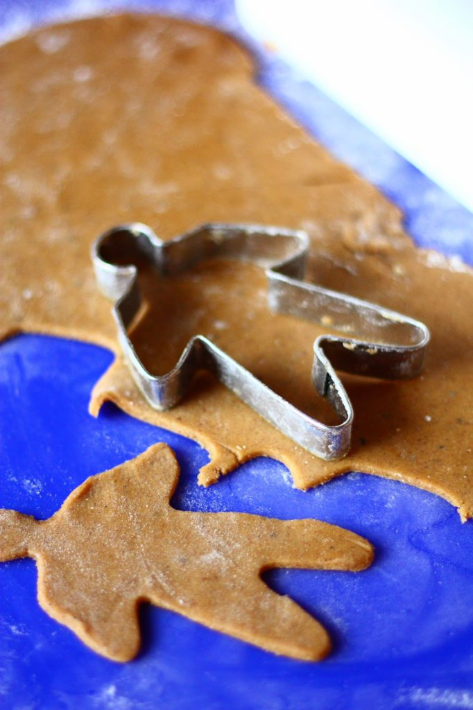 Munaton piparkakkutaikina rapeat ja kovat keksit