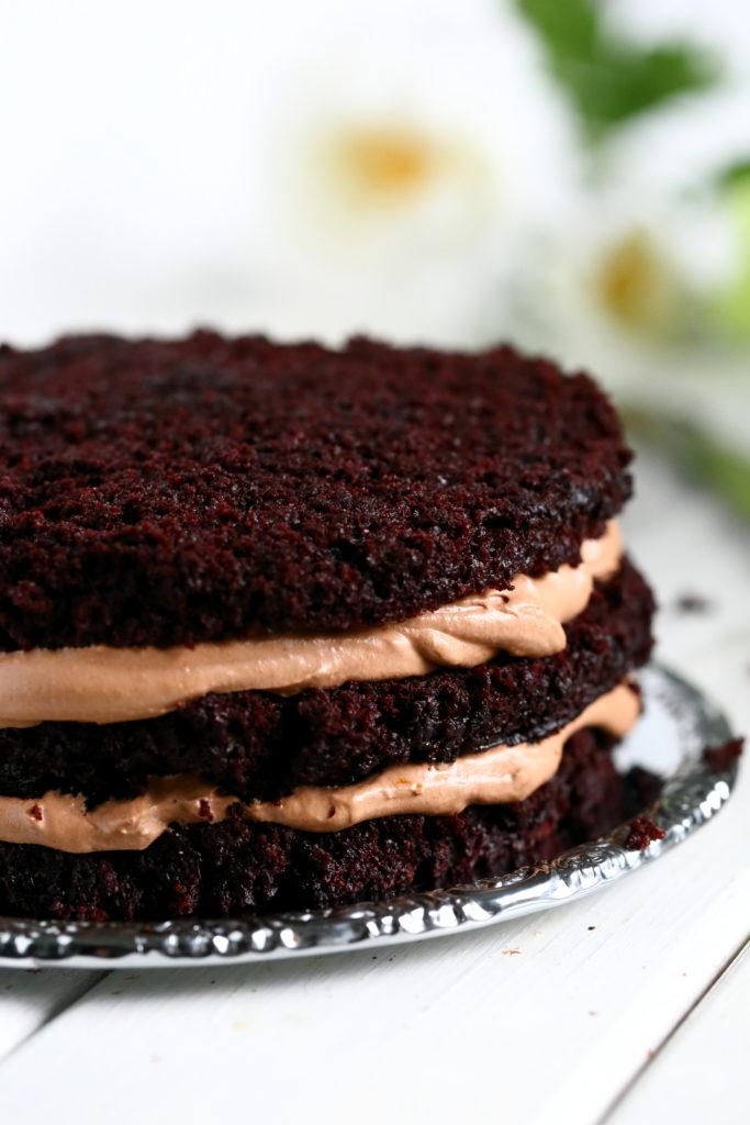 Liivatteeton kakun täyte