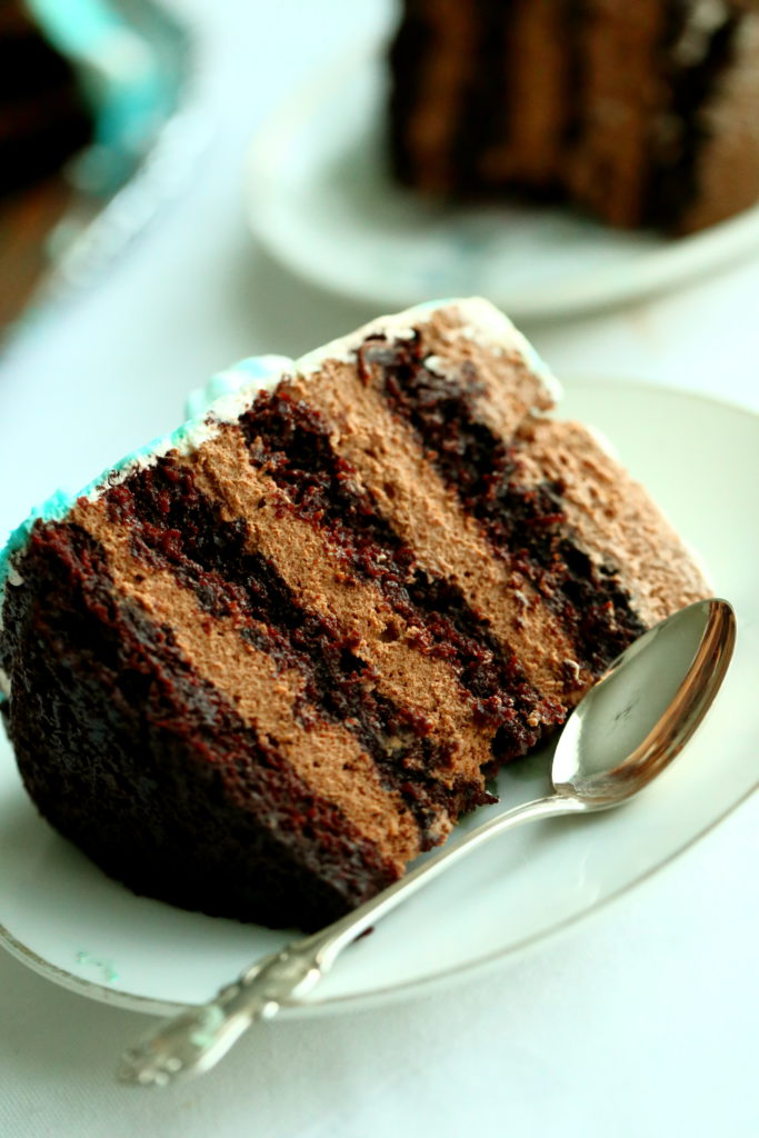 Suklaamousse kakku