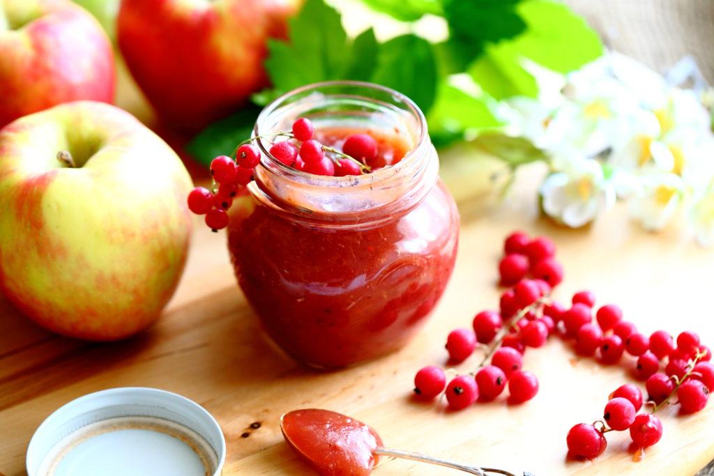 Omena ja punaherukka sopivat hilloon