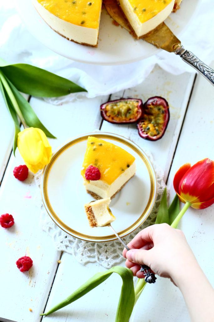 Pala mangojuustokakkua maistuu miltei jokaiselle