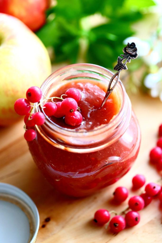 Punaherukat tekevät omenahillosta vieläkin parempaa
