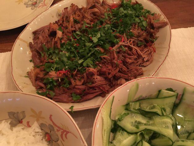 Possun kasslerista valmistat herkullisen ja raikkaan makuisen itämaisen nyhtöpossun, jossa maistat Aasian maut.