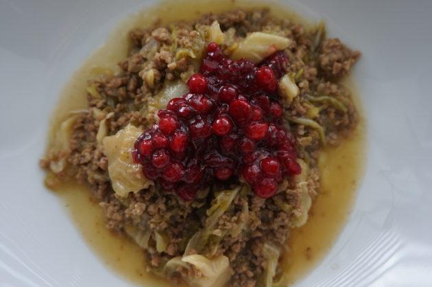 Kaalista ja jauhelista syntyy helposti maukas ja kevyt kaalipata.