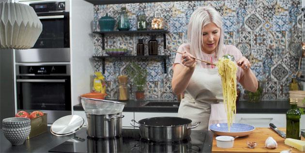 Vappu Pimiän valkosipulipasta on uskomattoman helppo ja nopea valmistaa.
