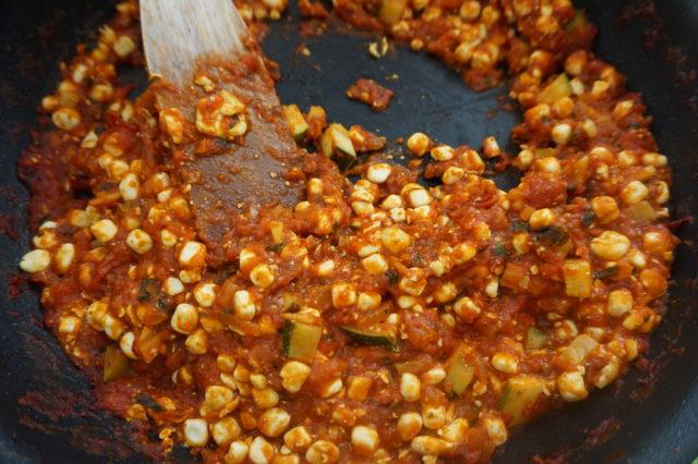 Vegeille sopivasta ruokarakeesta syntyy helposti lihansyöjillekin maistuva herkku!