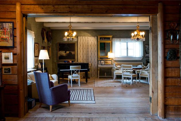 Huone Jean ja Aino Sibeliuksen kodissa Ainolassa