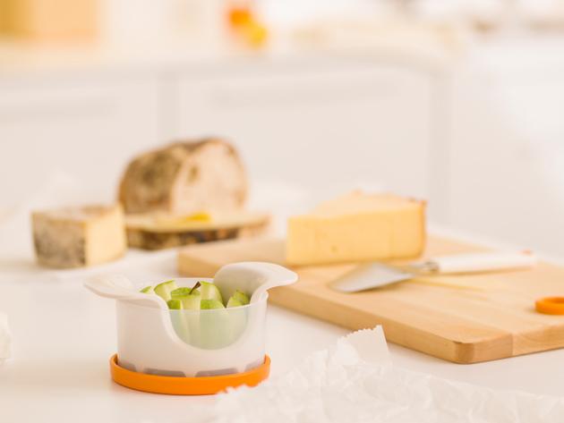 Aamiaiskuva, jossa Fiskars Functional Form -aamiaisvälineitä