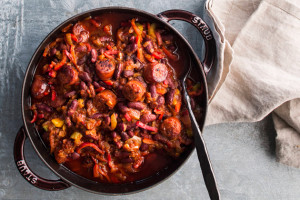 makkarapata chili con carnen tapaan