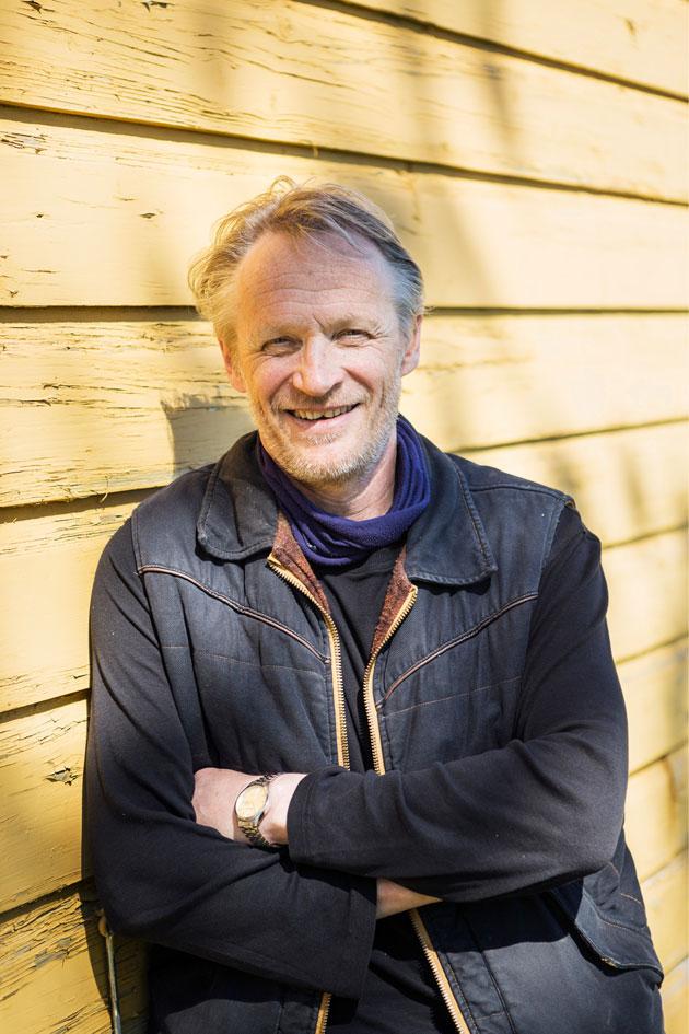 Näyttelijä Antti Virmavirta