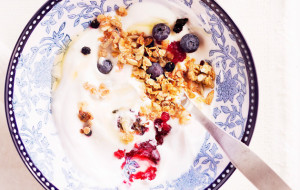 Granolaa ja jogurttia