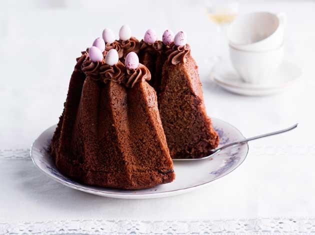 Suklaakakku - pala kakkua lautasella