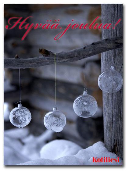 Hyvää joulua -kortti e-korttina. Kuvassa lasiset ja huurteiset joulupallot