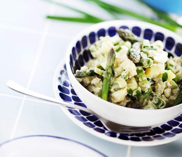 kesäinen perunasalaatti