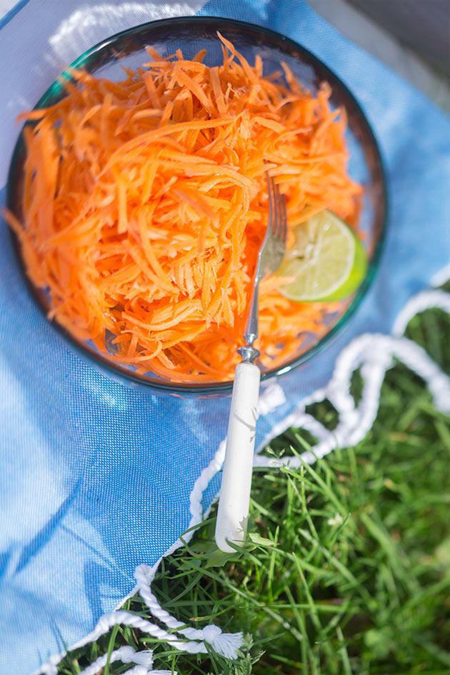 Thai-porkkanasalaatti