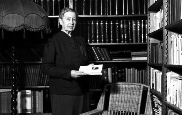 Miina Sillanpää kirjastossa