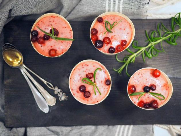 Kuva - Napue Cranberry Gin & Tonic -vaahto