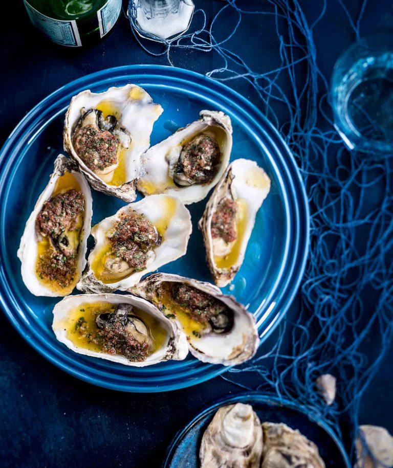 Pekonivoilla gratinoidut osterit