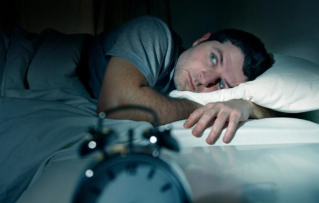 Mies ei saa unta keskellä yötä