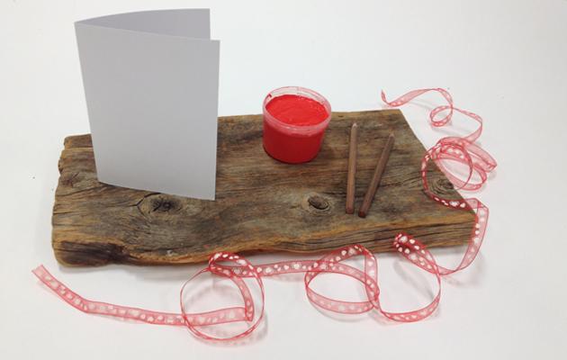 Ystävänpäiväkortti lasten kanssa askartelu tarvikkeet