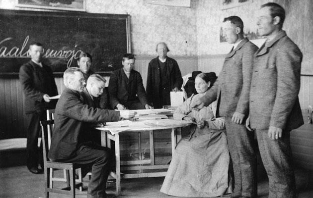 Vuonna 1908 Lapuan Ruhan kylässä äänestettiin