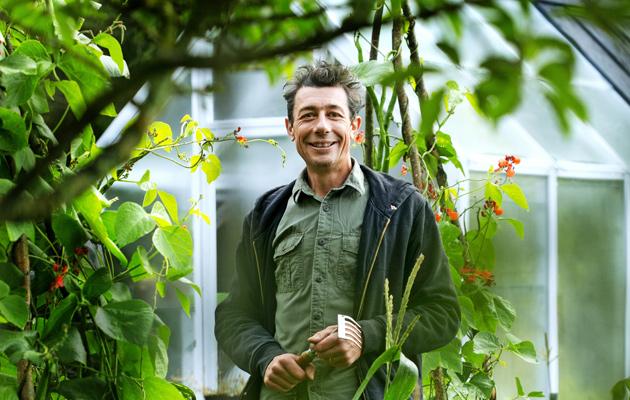 Adrian Evans, luonnonmukainen viljely, puutarha, puutarhuri, kotiliesi