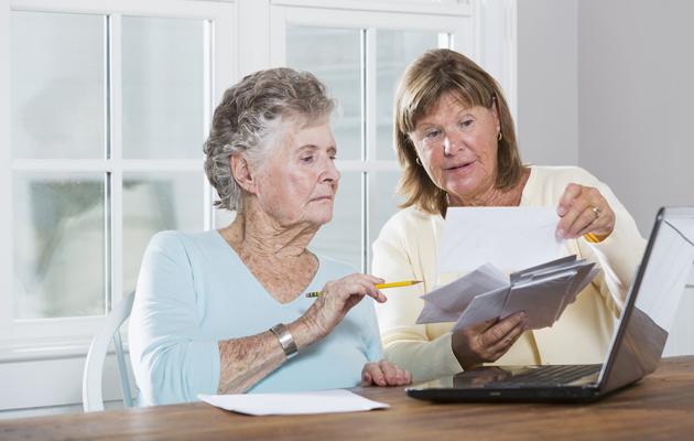 Milloin muistin heikkenemisestä on syytä huolestua? Näistä merkeistä tunnistat Alzheimerin taudin varhaiset oireet