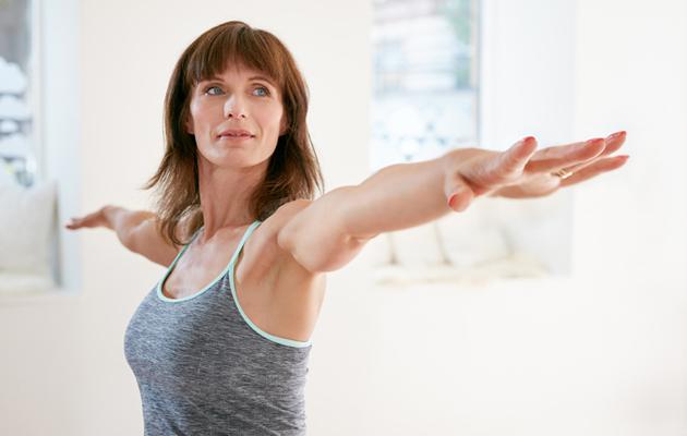 hyvä ryhti kotona harjoitus, tasapaino, nilkat, huono ryhti oireet