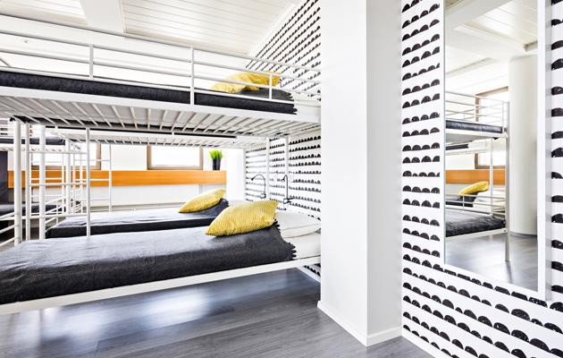 Dormisänky on omiaan matkailijalle, joka haluaa edullisen yösijan