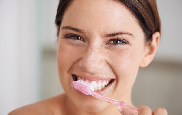 Haiseva hengitys poistuu yleensä hampaita harjaamalla