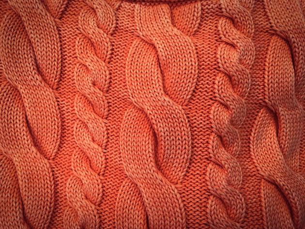 Kauppojen vaatetangoilla näkyy nyt palmikkovillitys – katso miten voit  yhdistellä erilaisia pintoja b691221e85