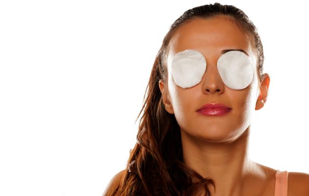 silmäpussit peittyvät valokynän avulla