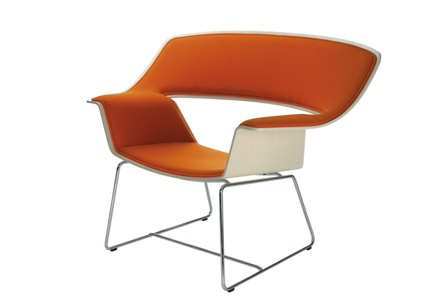 Mikko Paakkasen suunnittelema Nietos-tuoli