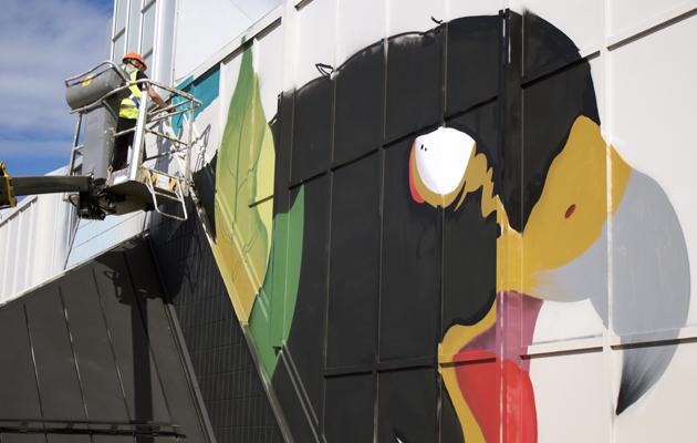 Sabek maalaa muraalia Pasilan asemalle