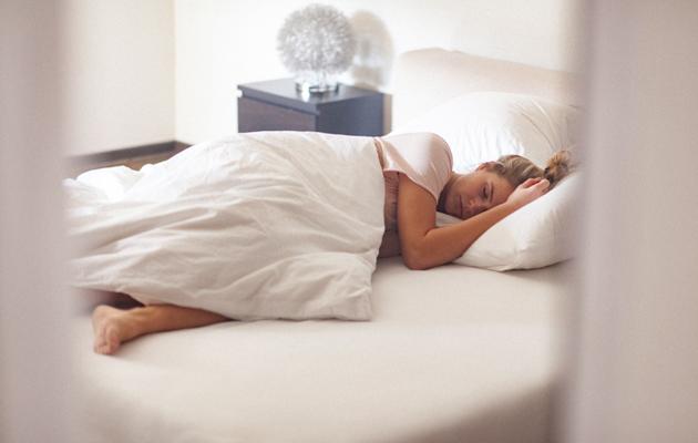 Huono nukkumisergonomia laittaa vartalon kierteelle.